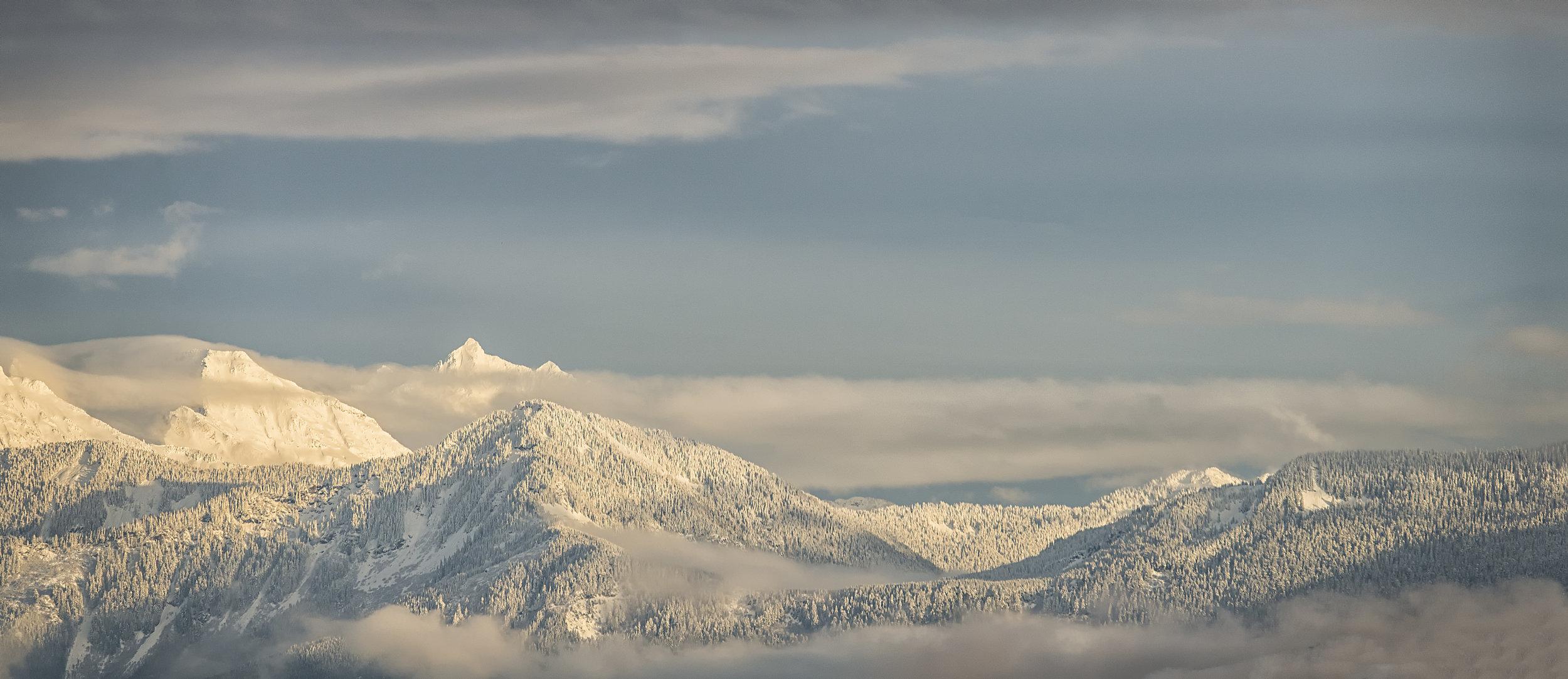 SNOW TOP MOUNTIANS .jpg
