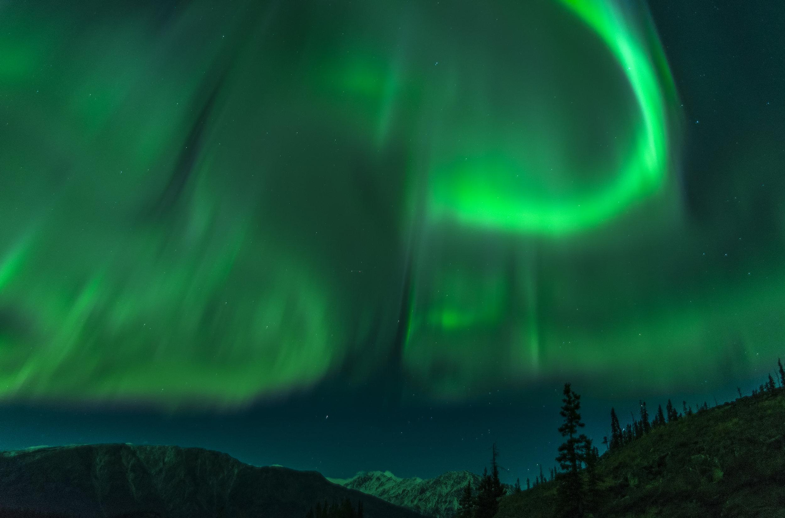 curling aurora in Canada photography workshop