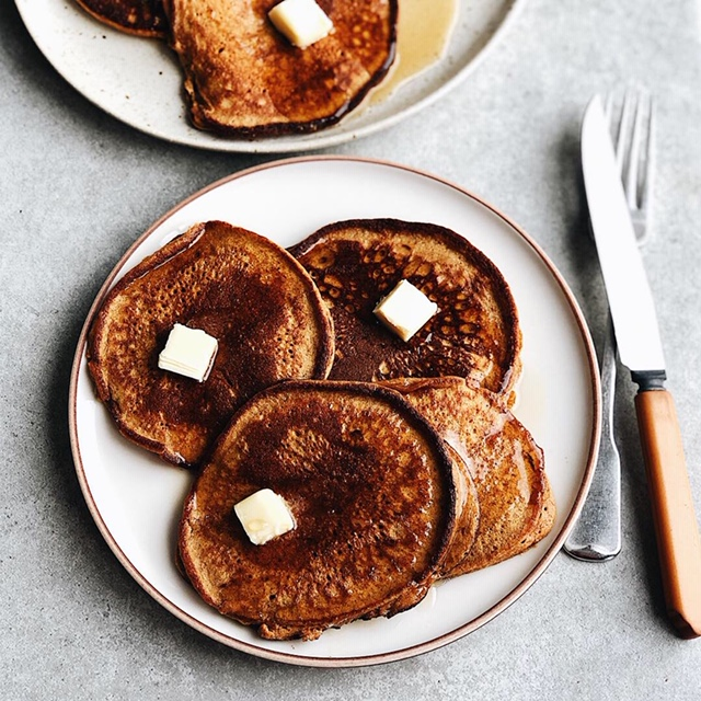simple sweet potato flax pancakes (paleo).