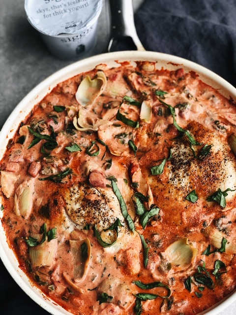 one pan spinach artichoke chicken in a creamy tomato sauce (gluten free, nut free).