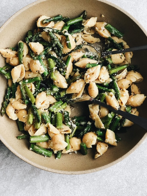 simple spring asparagus parmesan pasta (gluten free).