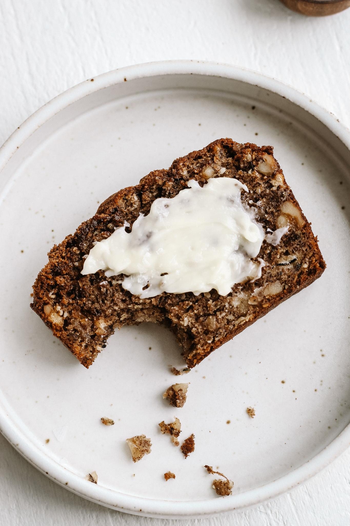 fluffy buckwheat and almond flour banana bread (grain free, paleo).