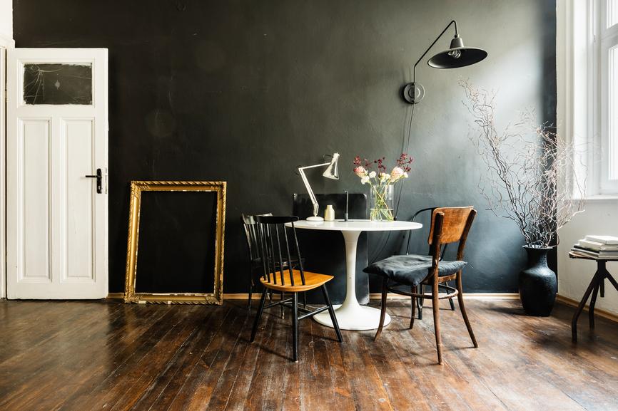 OWN Buyers agent MD Dark interior wall Stocksy_txp95cf036dcVr100_Small_1460940.jpg