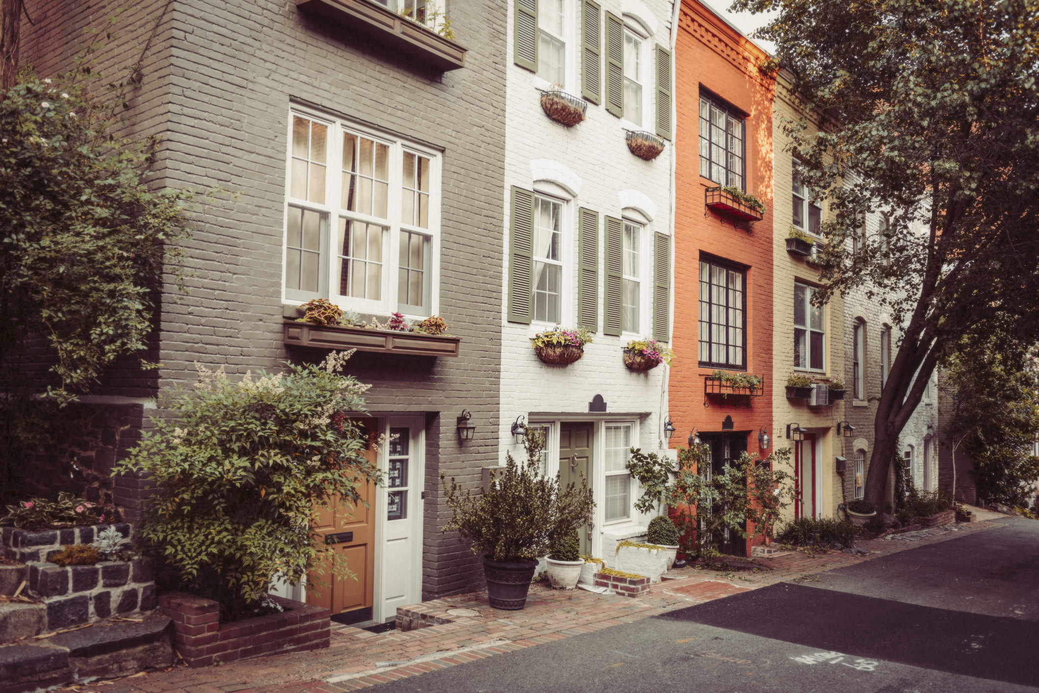 OWN Getty Buyer's Edge Web site Georgetown, DC Homes for Sale Row homes