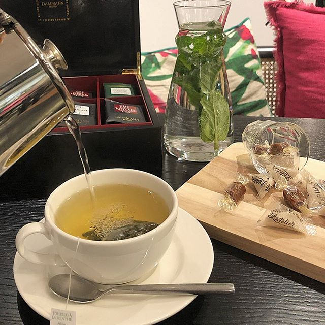 TEA TIME ce samedi matin ☕️ Découvrez notre large choix de thé et infusion dans l'un de nos Ateliers . Bon week end à tous ! . . . #sanremomachines #dammannfreres #latelier #artisancrepier #increpewetrust  #restaurant #crepes #creperie #pancakes #saintgermaindespres #paris #food #foodista #mabillon #velizy2 #parly2 #marchesaintgermain #fresh #godsavethecrepe #cocktails #cool #fun #newdecor #foodporn #cider #galettes #waffles #honey #cider #cidre #latelierartisancrepier