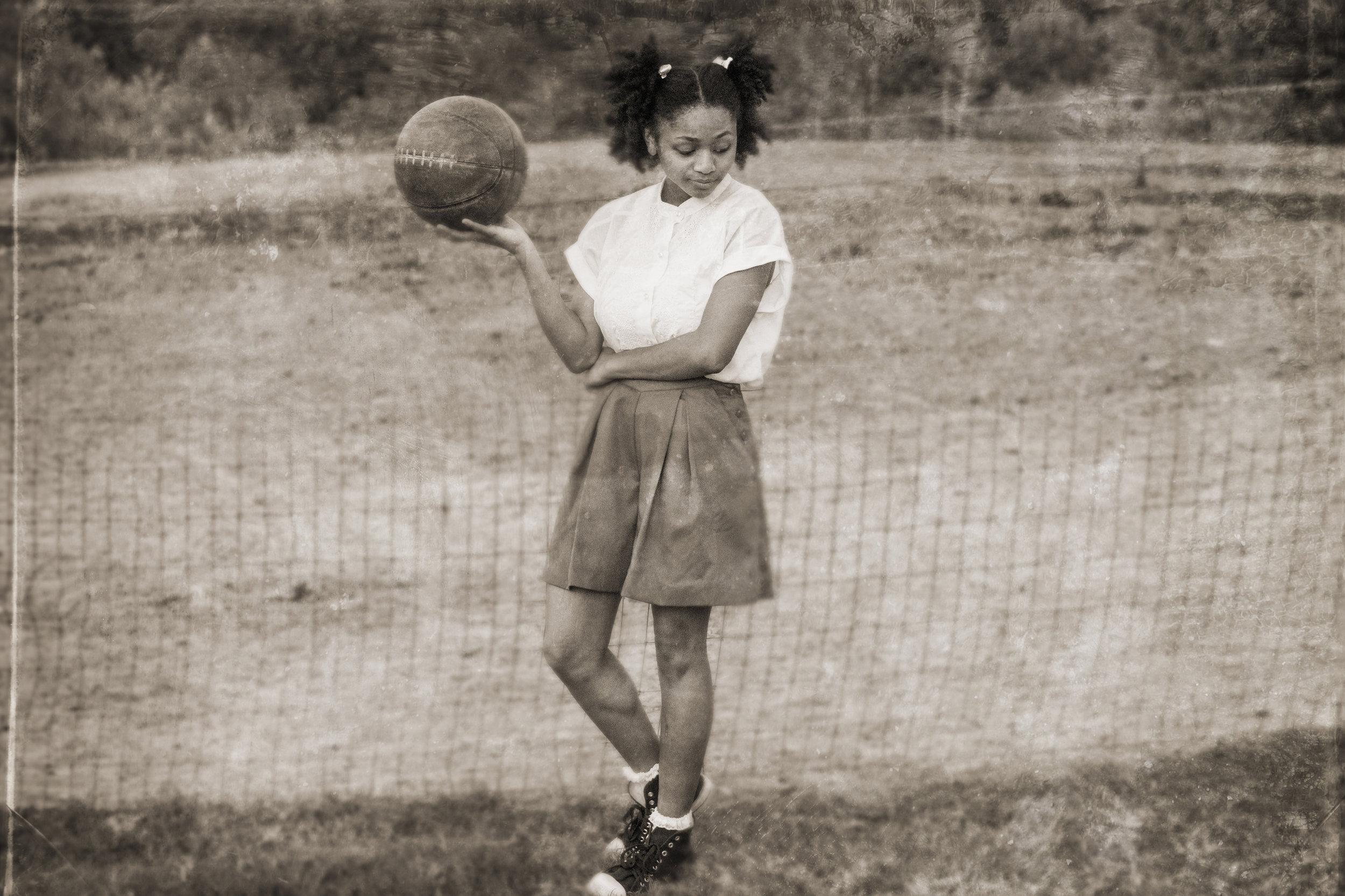 Kiana Washington as Puppy in  The Tall Girls