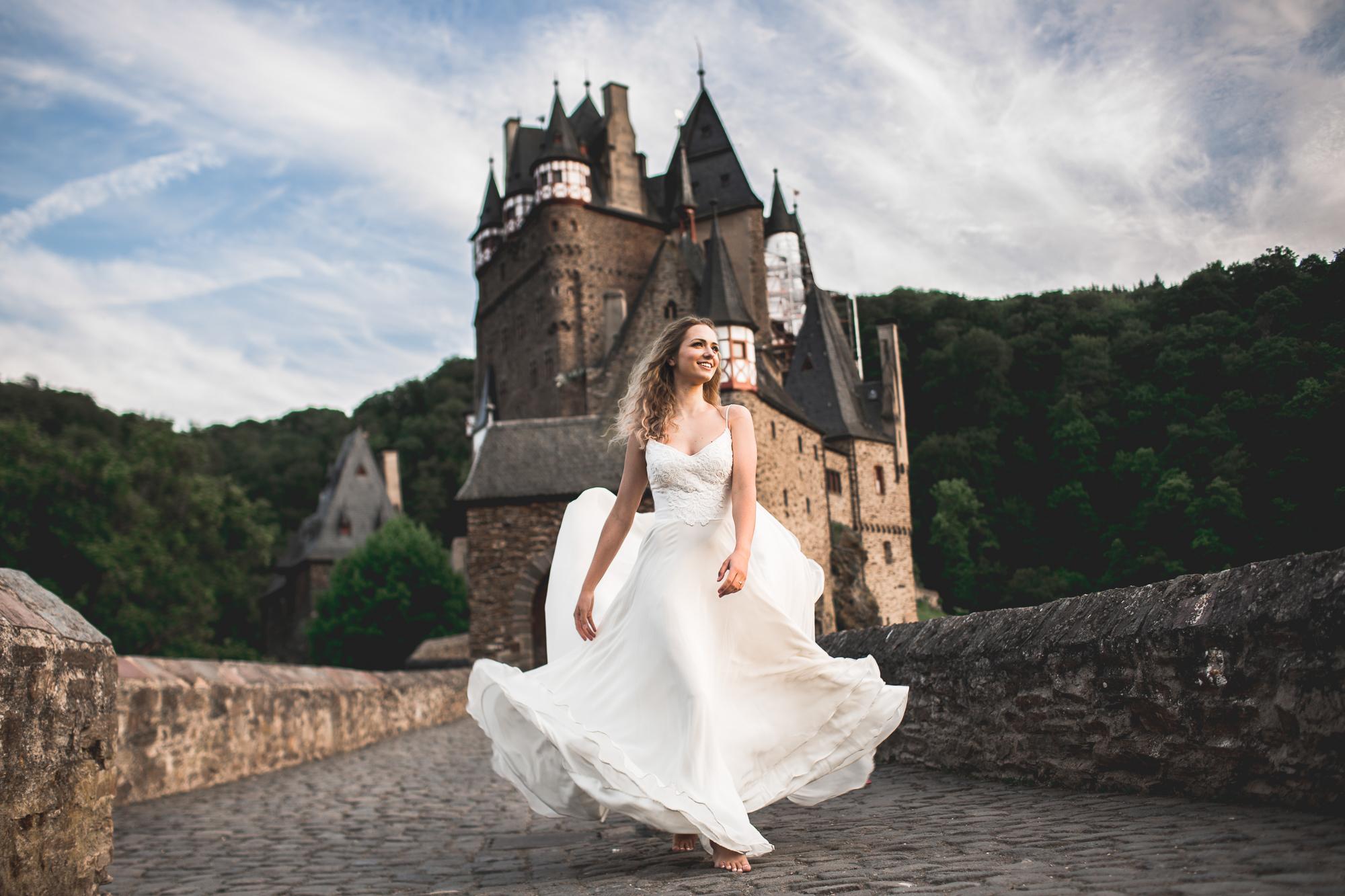 Burg Eltz   Flowy Wedding Gown   A-line Wedding Dress