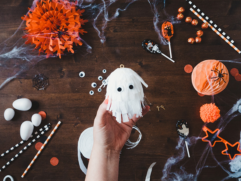 How to make a cute ghost halloween balloon tail -the finished ghost