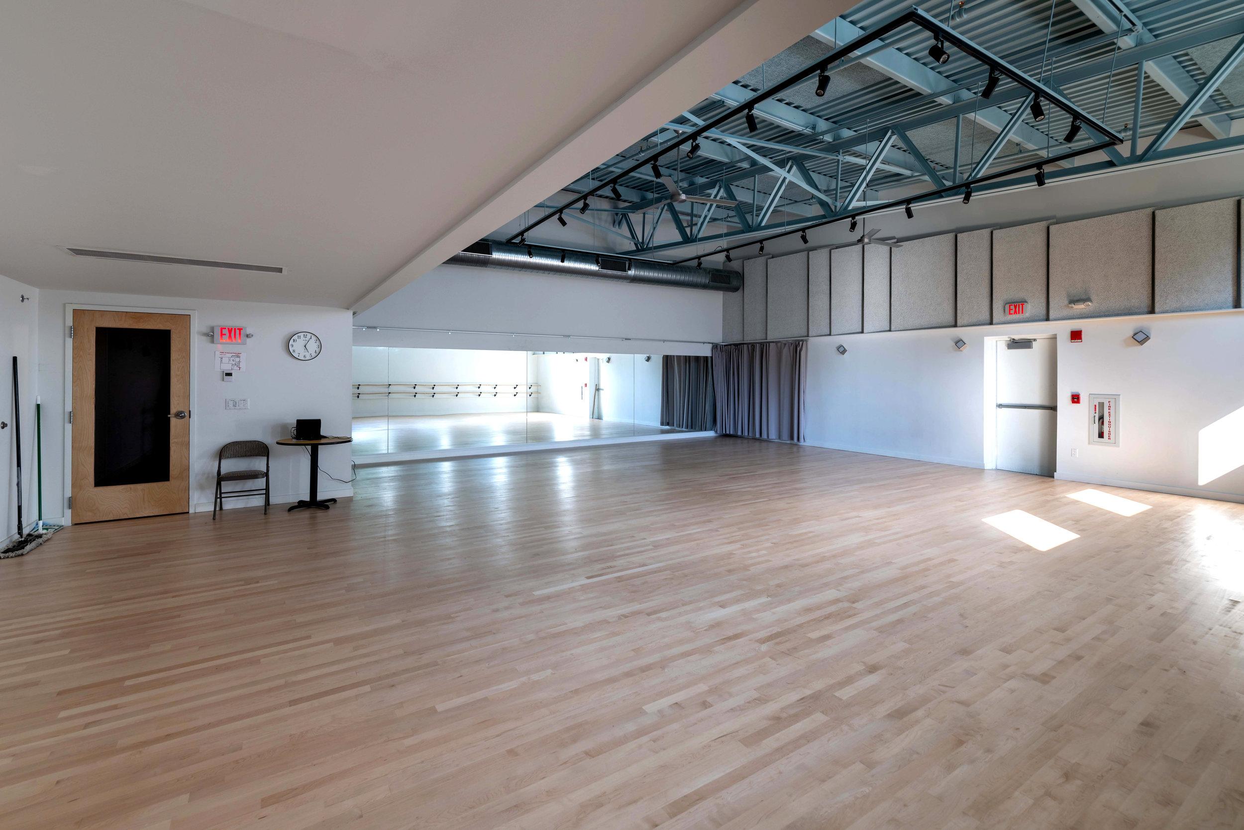 Dance Studio wide angle-9e (Held)e.jpg
