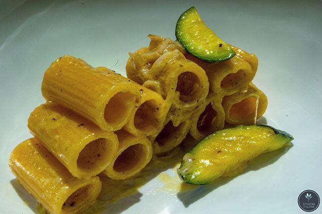 Tasty Tuesday means gluten free pasta with zucchini and a creamy saffron sauce. ⠀ .⠀ .⠀ .⠀ .⠀ .⠀ .⠀ #pasta #zucchini #creamy #EEEEEATS, #eater, #eatersf #lunch, #eattheworld, #eatingsf, #tastingtable, #spoonfeed, #feastagram, #forkyeah, #dinner, #foodandwine, #fwx, #feedyoursoul, #huffposttaste, #hungry, #beautifulcuisines #vegan #stagionitaliane #sanfrancisco #travelwithyoursenses #fancy #luxury #italianstyle #treatyourself #tuesday⠀