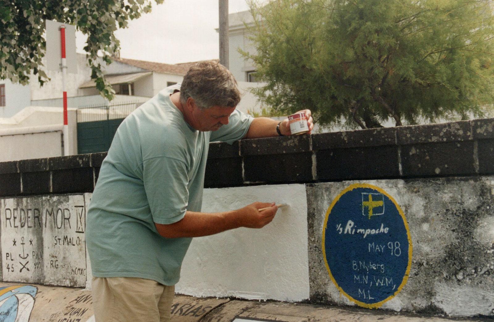 Painting cruising badge 1998