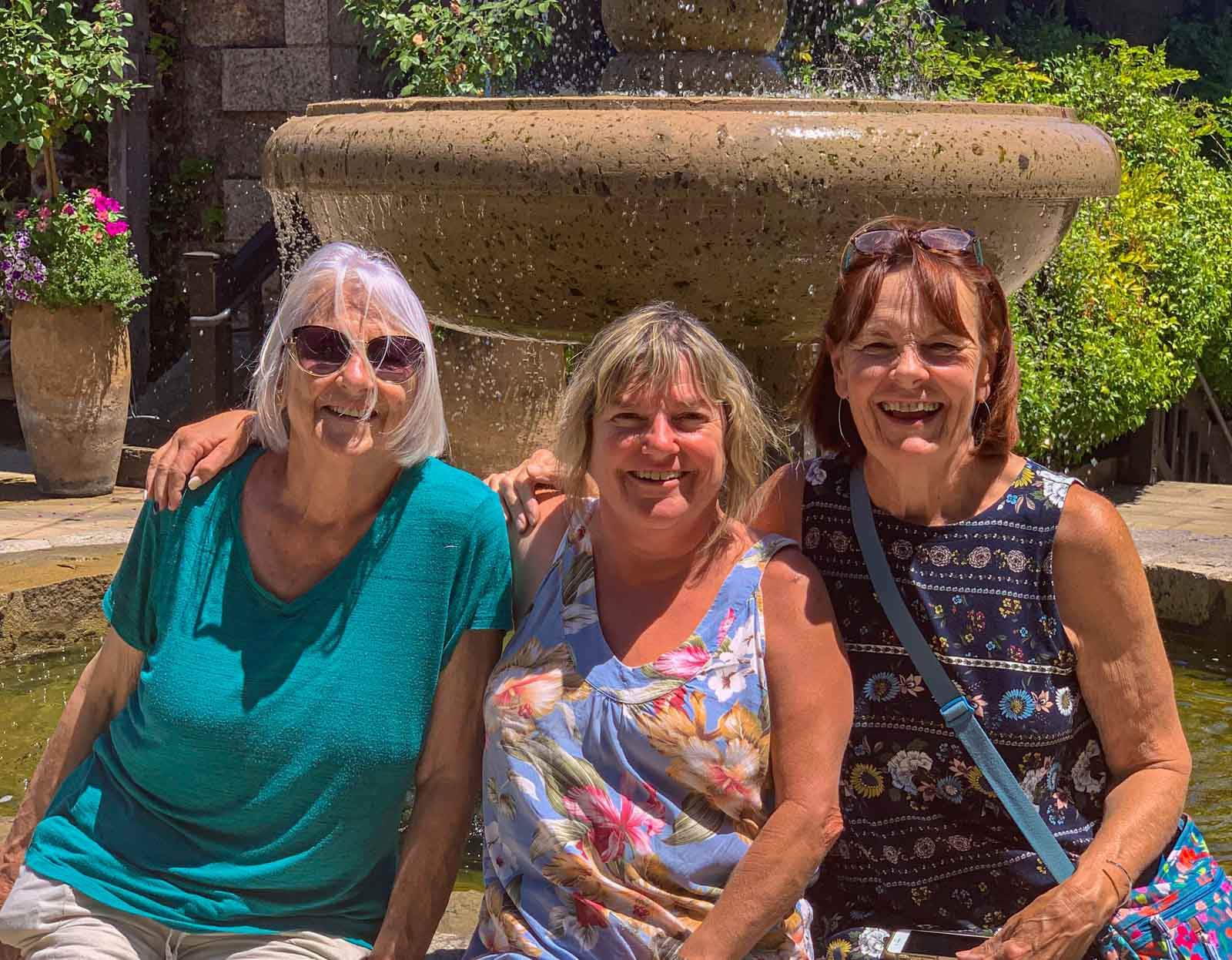 New friends Linda and Cindy