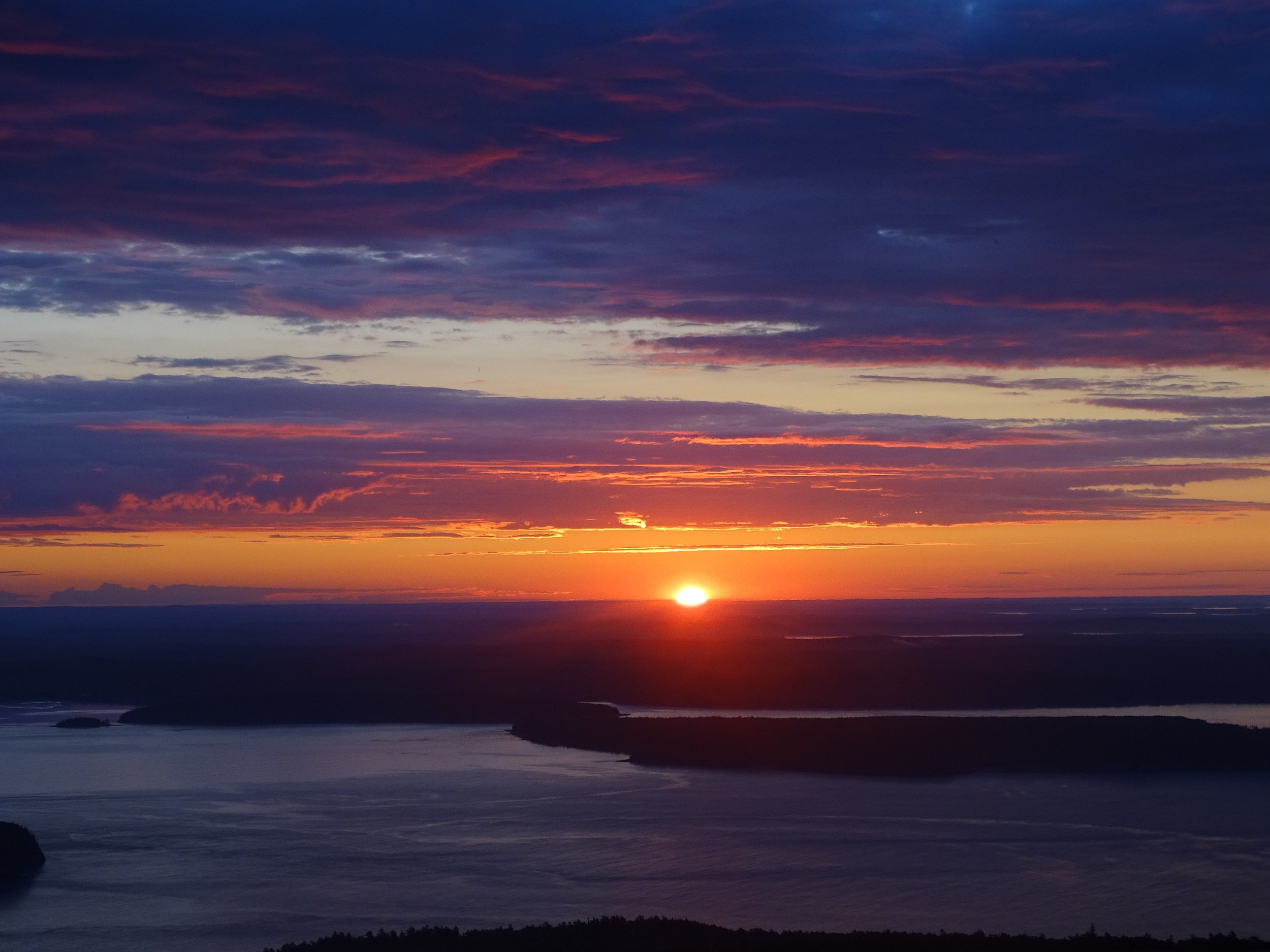 The sun rise from the top of Cadillac Mountain.