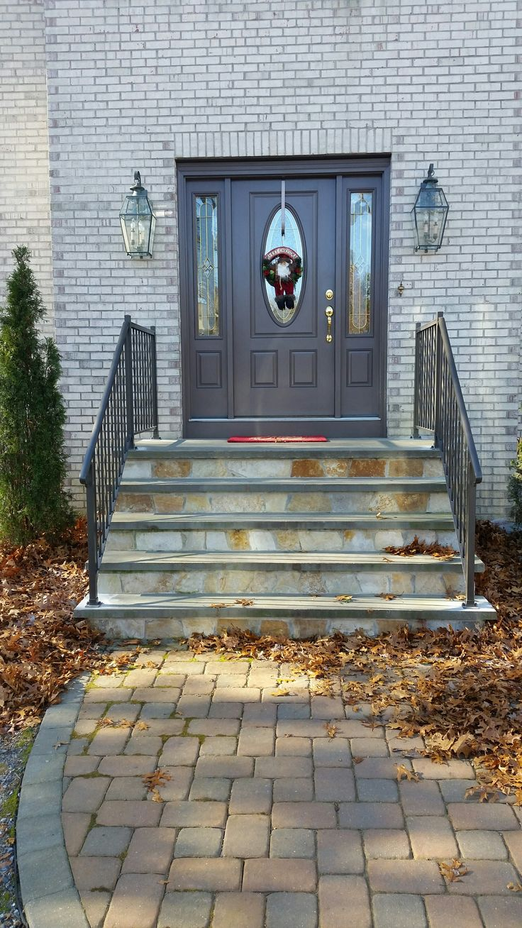 Superior Aluminum residential railings.jpg