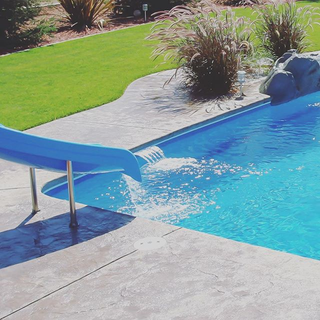 How's your Summer Going? Click the link in the bio to see loads of great pool-related goodies for your yard! . . #exteriors #summer #sun #splash #pool #patio #spa #sanantonio #Texas #dontmesswithtexas #dontmesswithfiberglass #blue #cannonball #SouthTexas #SATX #Staycation #paradise #resort #family #familymoments #backyard #funbythepool #fun #youshouldbehere #exteriors #oasis