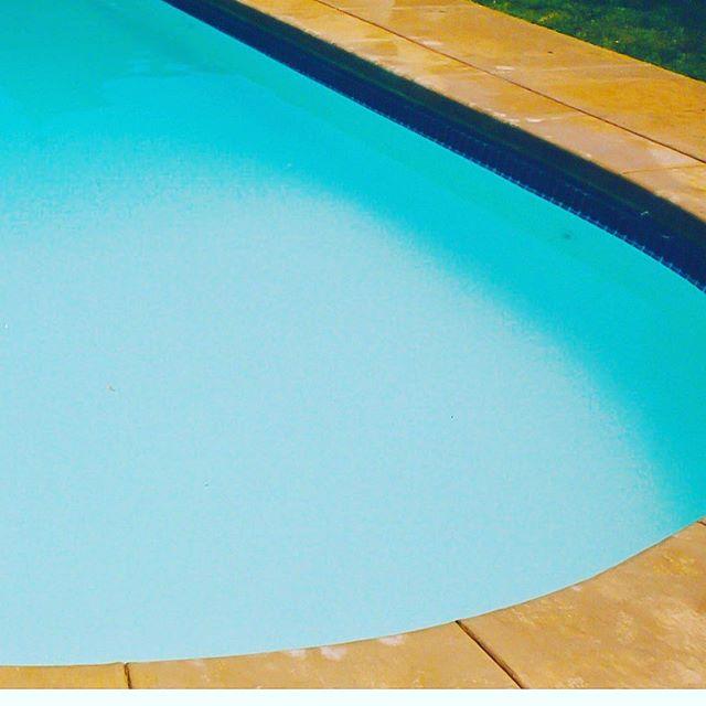 It's still hot, isn't it? . . #exteriors #summer #sun #splash #pool #patio #spa #sanantonio #Texas #dontmesswithtexas #dontmesswithfiberglass #blue #cannonball #SouthTexas #SATX #Staycation #paradise #resort #family #familymoments #backyard #funbythepool #fun #youshouldbehere #exteriors #oasis