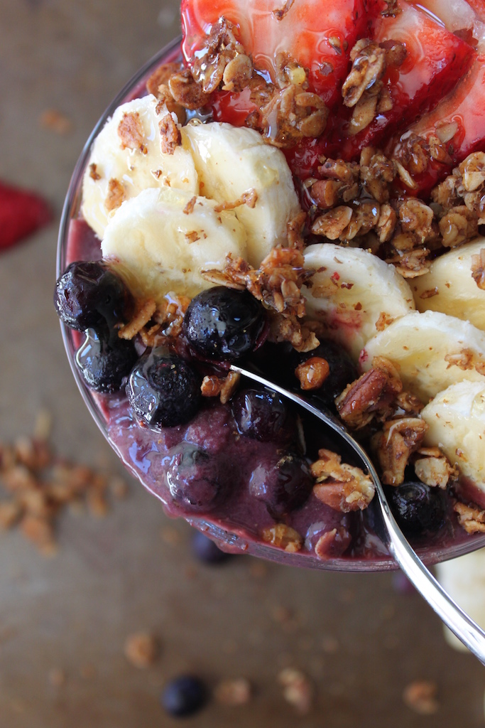 The BEST Acai Bowl from The Diva Dish