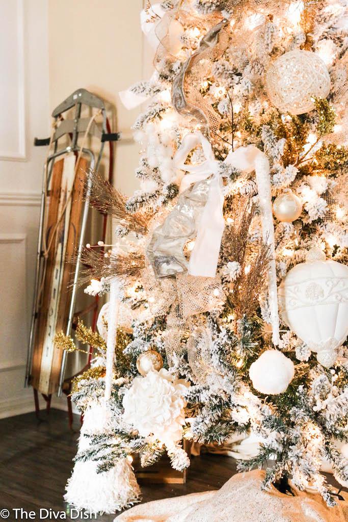Christmas Tree 2016 via The Diva Dish