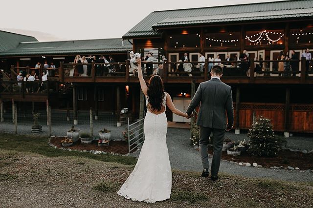When the heels come off, you know it's time to party 🥂 . . . . #fraserriverlodge #fraserriverlodgeweddings #dirtybootsandmessyhair #junebugweddings #lookslikefilm #lookslikefilmweddings #bcbride #pnwbride #pnwedding #bcwedding #fraservalleyweddings #loveinthepnw #lovelookslikeus #aliciastrathearnphotos