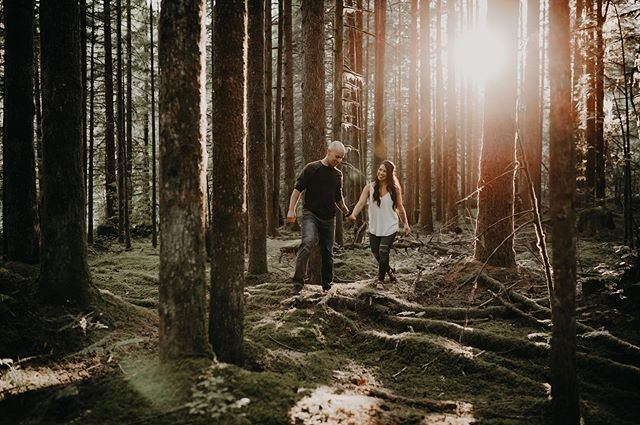 These two are gonna make it official today!🙌🏼 . . . . #goldenearspark #mapleridgeengagement #dirtybootsandmessyhair #junebugweddings #lookslikefilm #lookslikefilmweddings #pnwedding #pnwbride #loveinthepnw #lovelookslikeus #mapleridgephotographer #aliciastrathearnphotos