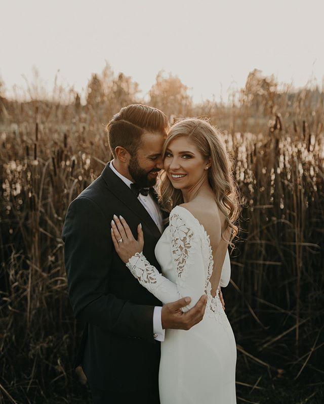 The most beautiful bride 😍 . . . . #junebugweddings #bcbride #pnwedding #pnwbride #pnwwedding #bcwedding #mapleridgewedding #lovelookslikeus #loveinthepnw #lookslikefilm #lookslikefilmweddings #aliciastrathearnphotos