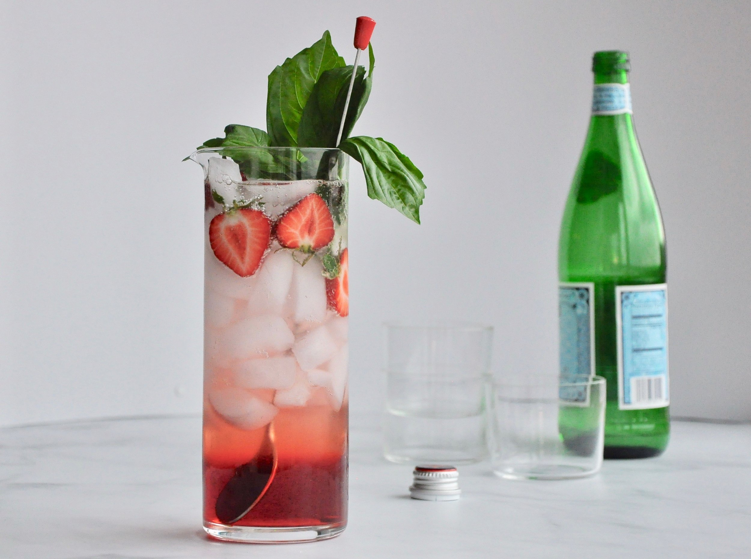 STRAWBERRY-GIN SPRITZ  Private Consulting Client