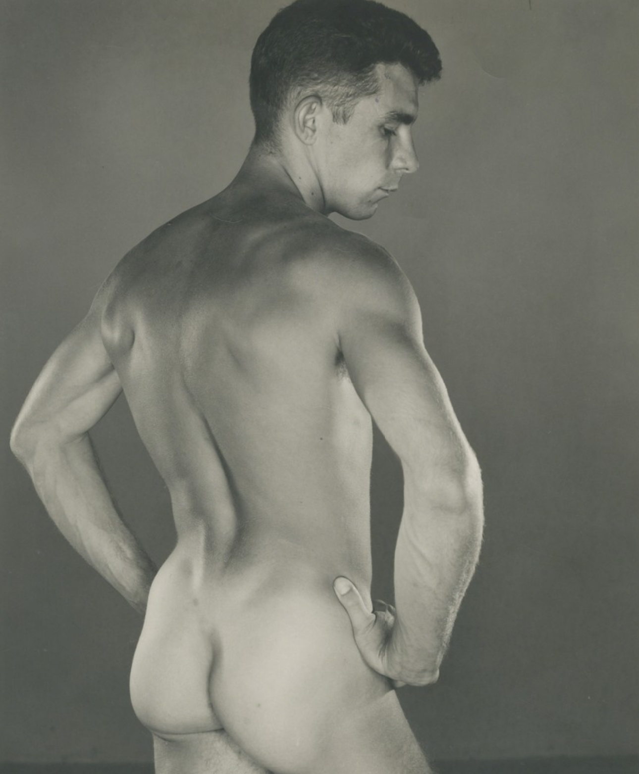 George Platt Lynes - I used several of his prints as references for my first nude shoot without having any idea who he was. Still can't believe that he was already producing shots like the one to the left (Charles Vincent) in 1930! There's a simplicity of design and composition but also a dramatic way of lighting that informed (and still informs) how I think about each of those things.