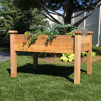 Raised garden bed photo by DIY Network