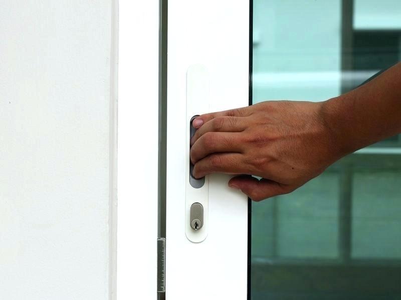 Flush pull handle on pocket door by Serpden.com