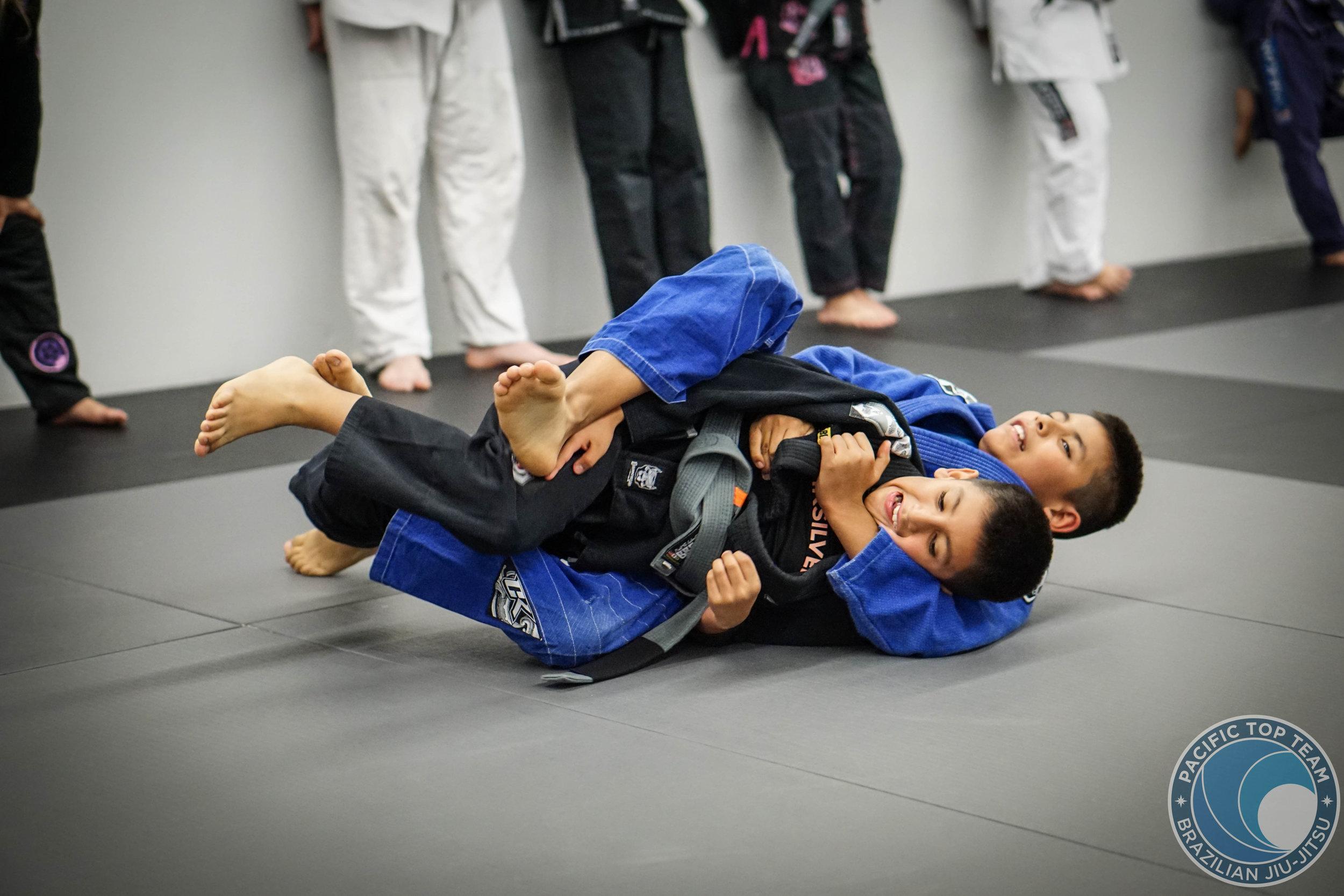 KIDS ADVANCE jiu jitsu