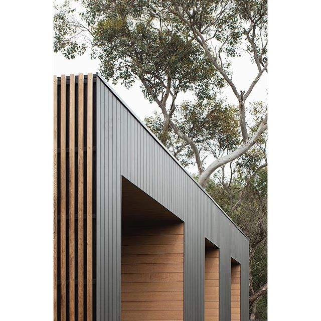 SEACHANGE HOUSE · Linear battens, gum trees and window recesses . 🔨 @dwbuilds . 📸 @benhosking1984 . . . . . . . . #architecture #australianarchitecture #coastal #coastalarchitecture #coastalhouses #australianhomes #architect #design #building #home #house #timber #wood #trees #barwonheads #victorianarchitecture #archdaily #archilovers #photooftheday #architecturephotography #instagood #architecture_hunter #finearchitecture #design_only #architects_need #solomontroup #solomontrouparchitects