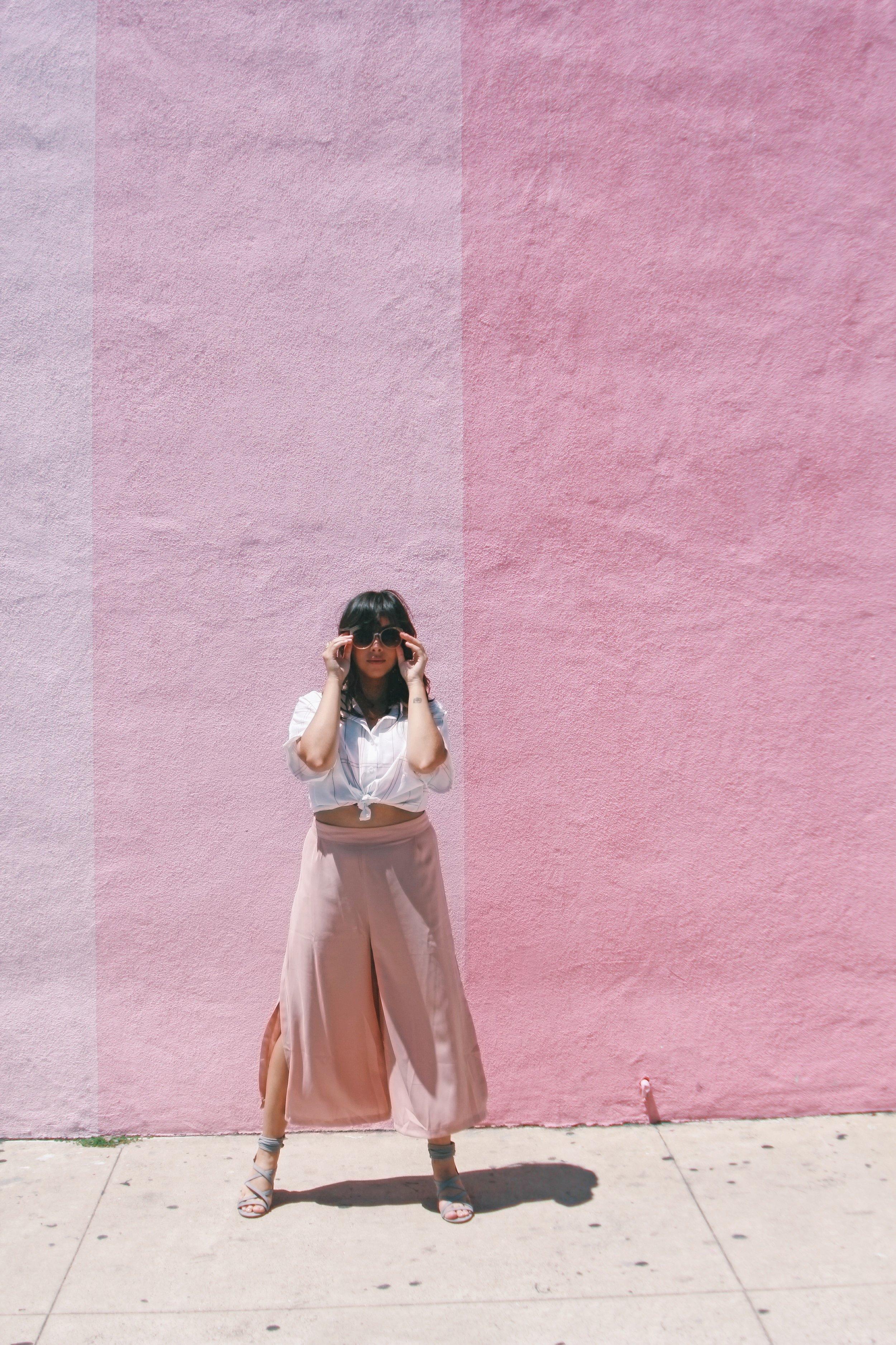 Blusa:  SheIn Culottes:  Graffiti Beach Boutique  Sapatos:  Shoe Dazzle