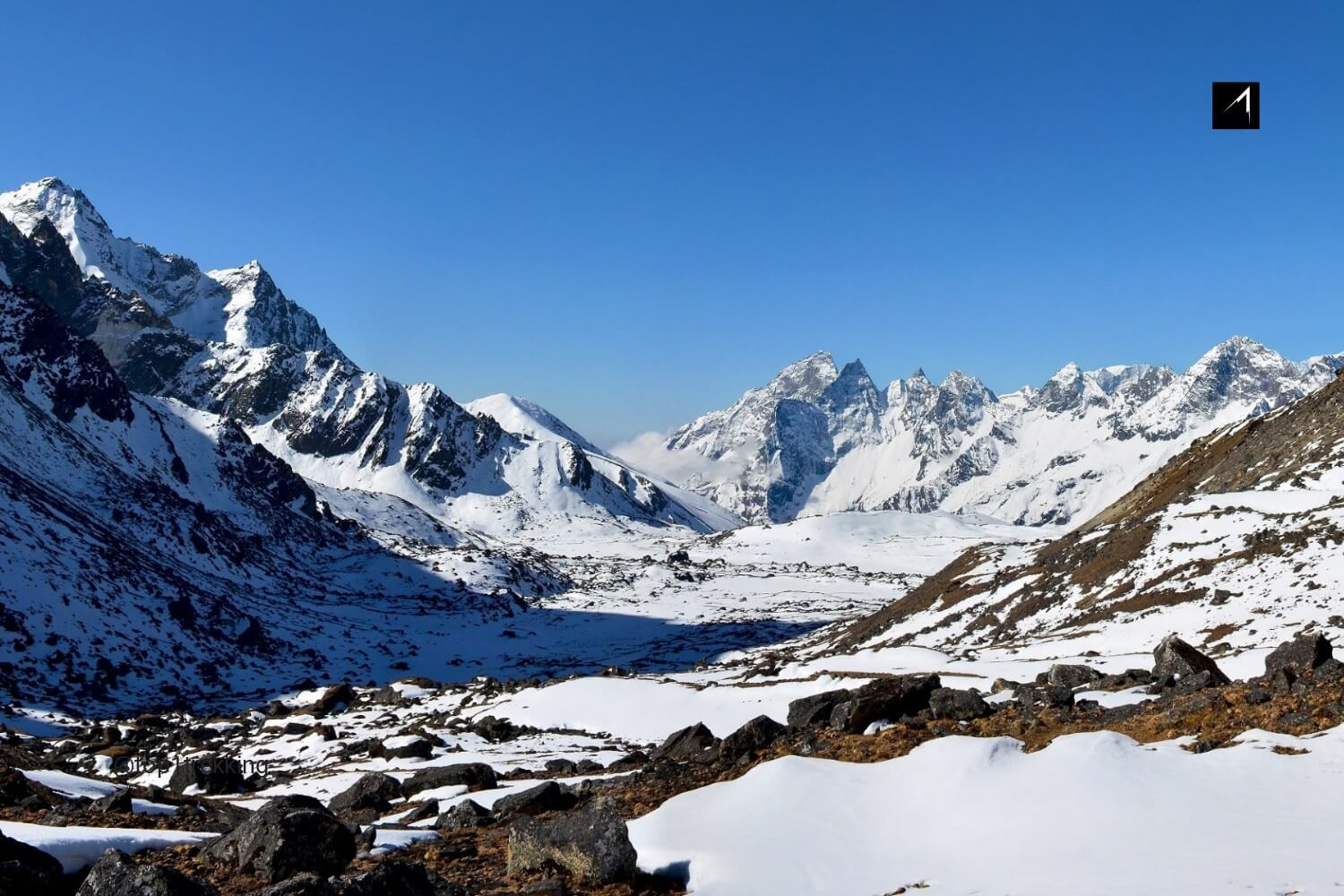 Panoramic view of the mighty Himalayan mountains on the way to Cho-La pass, Nepal.