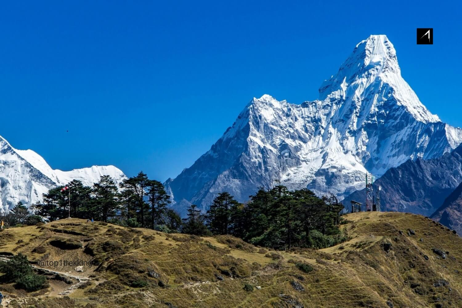 On the way to Everest View Hotel.jpg