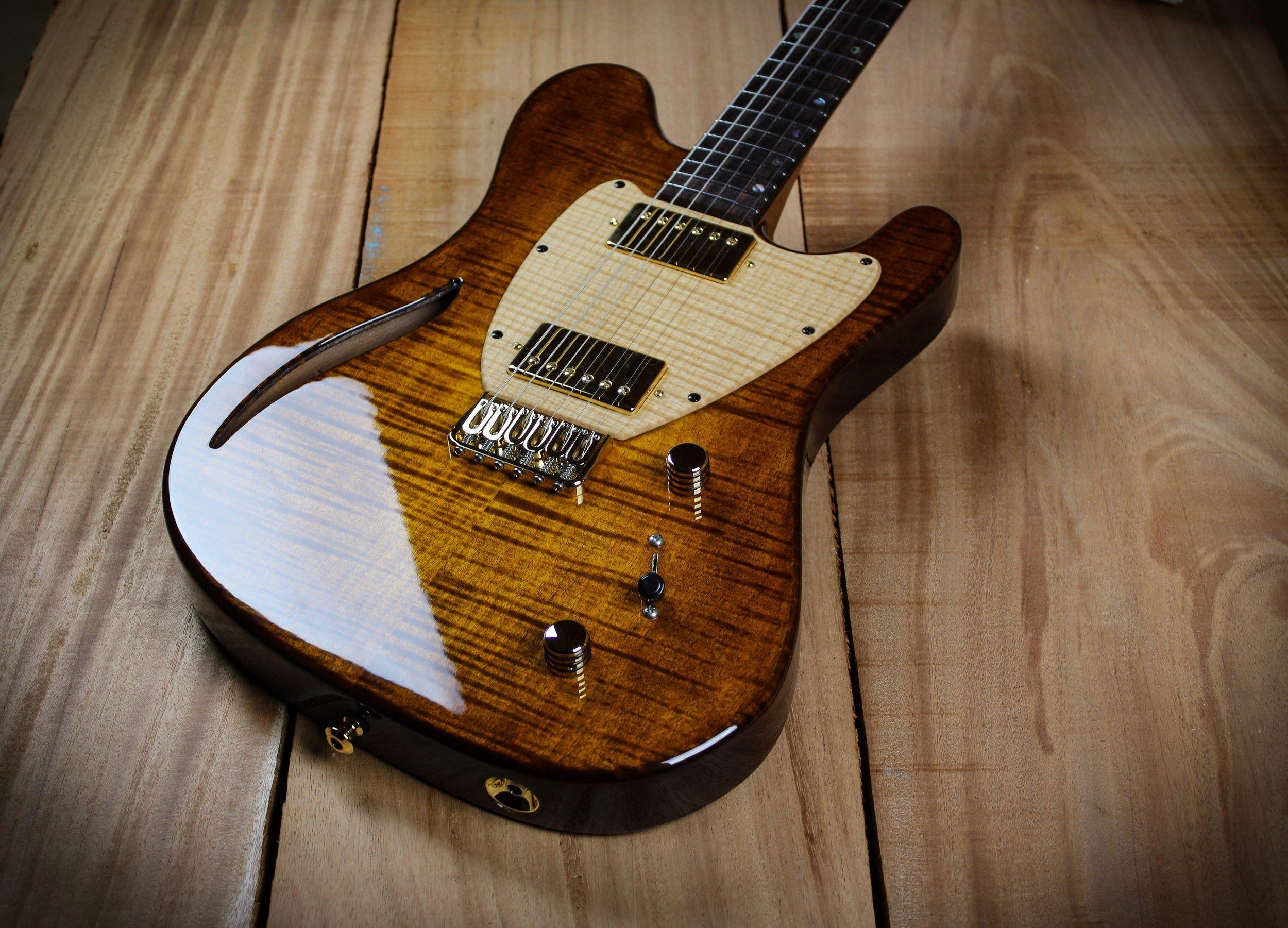 CEM-2 Deluxe (Vintage Burst)