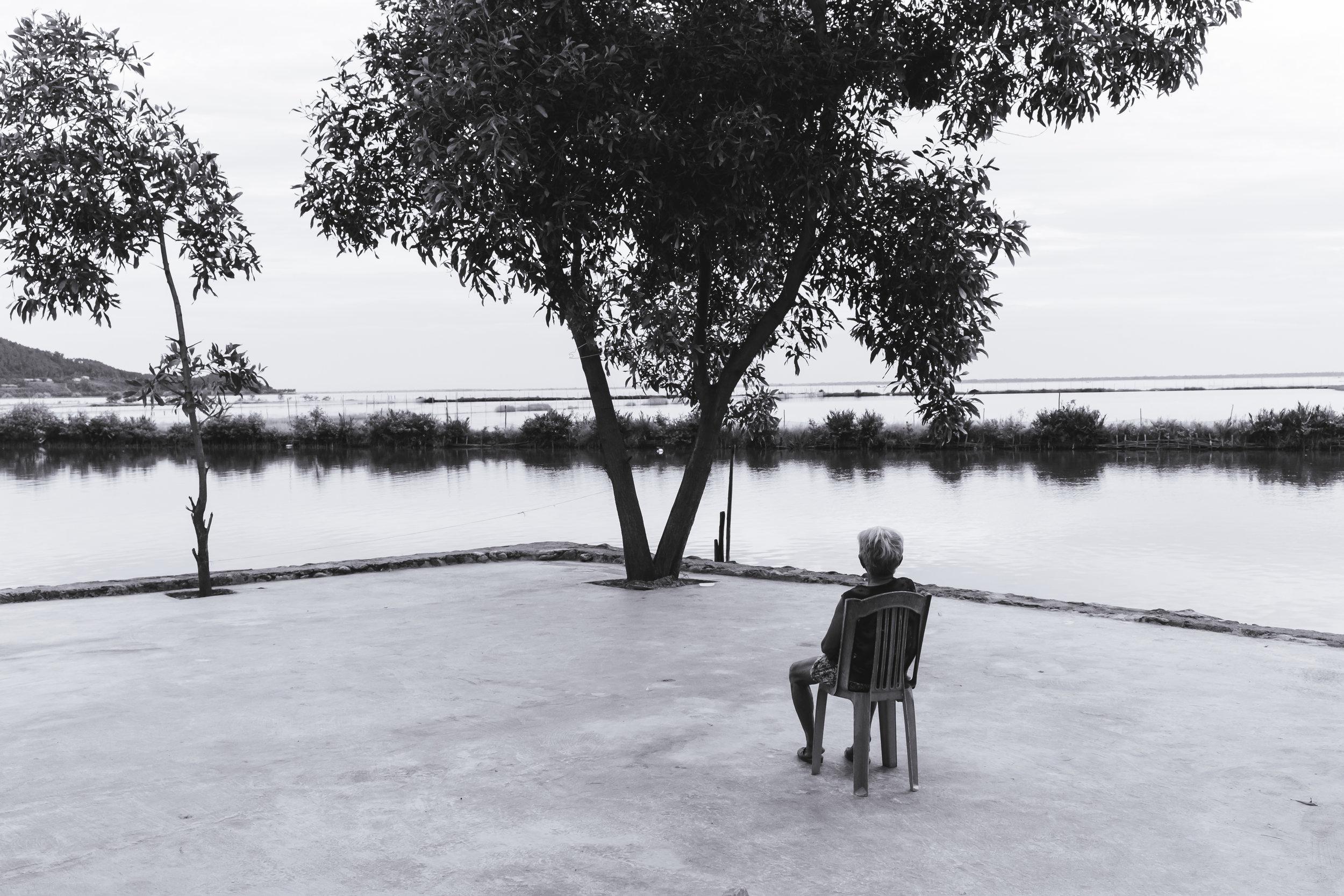 Vietnam-lonely-woman