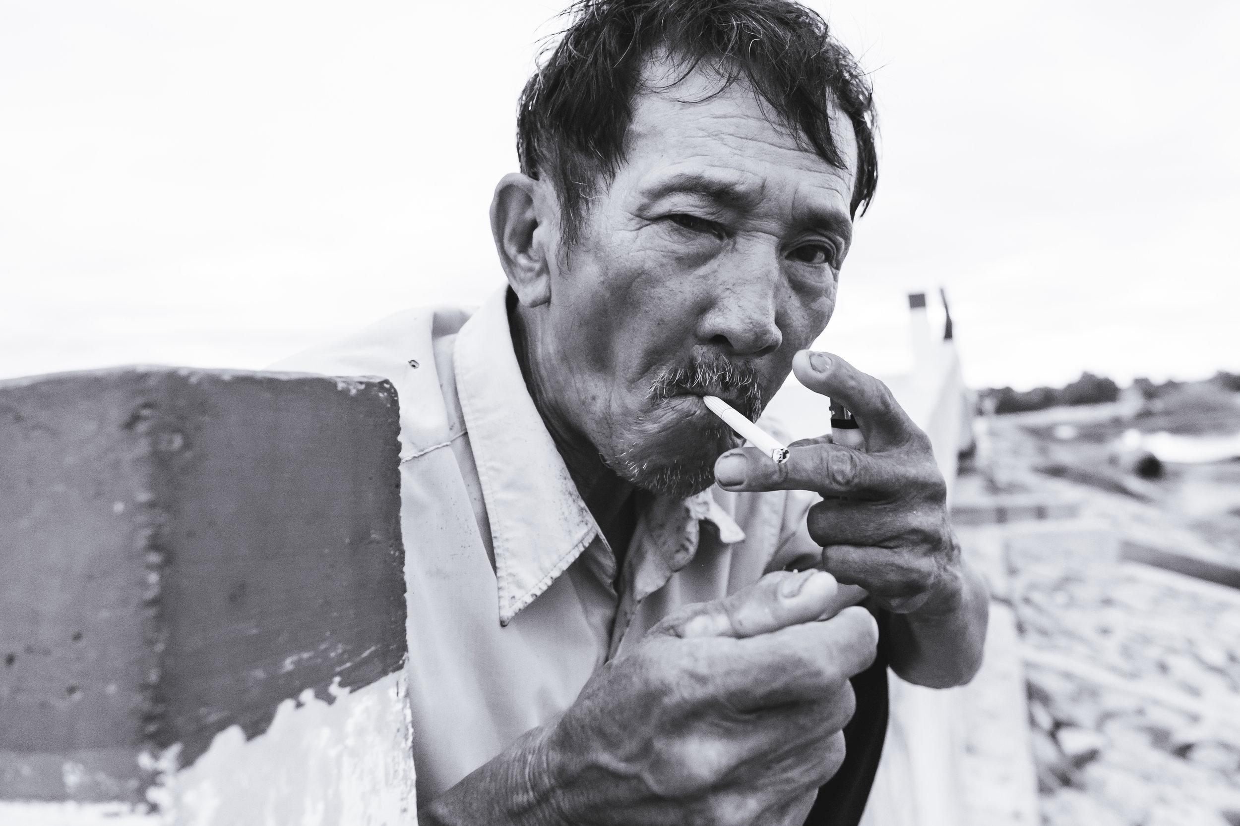 Vietnam-cigarette-light
