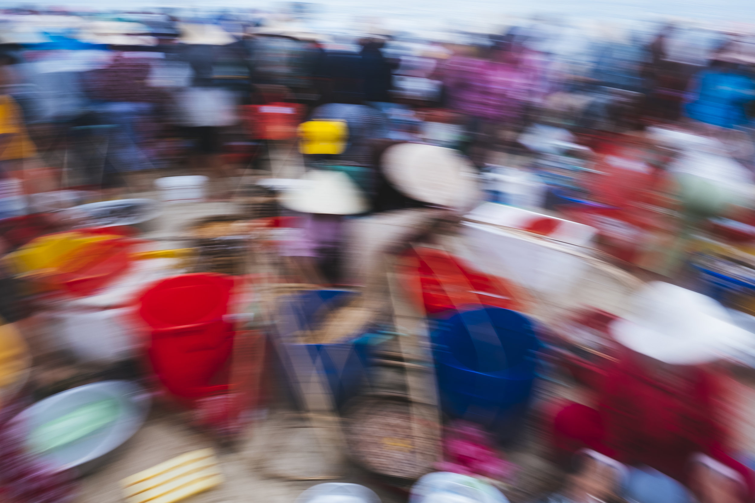 Vietnam-beach-market