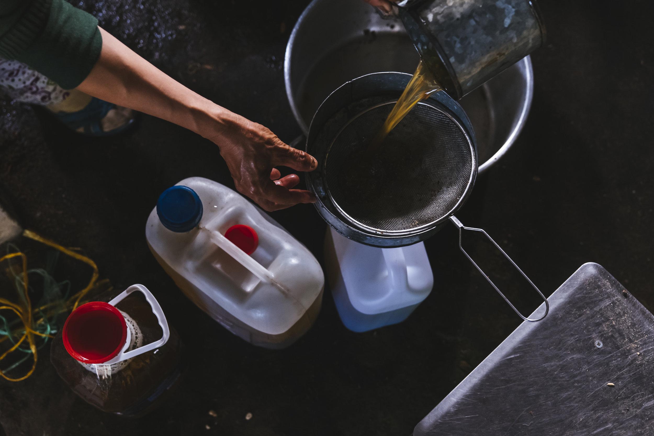 pouring-oil.jpg