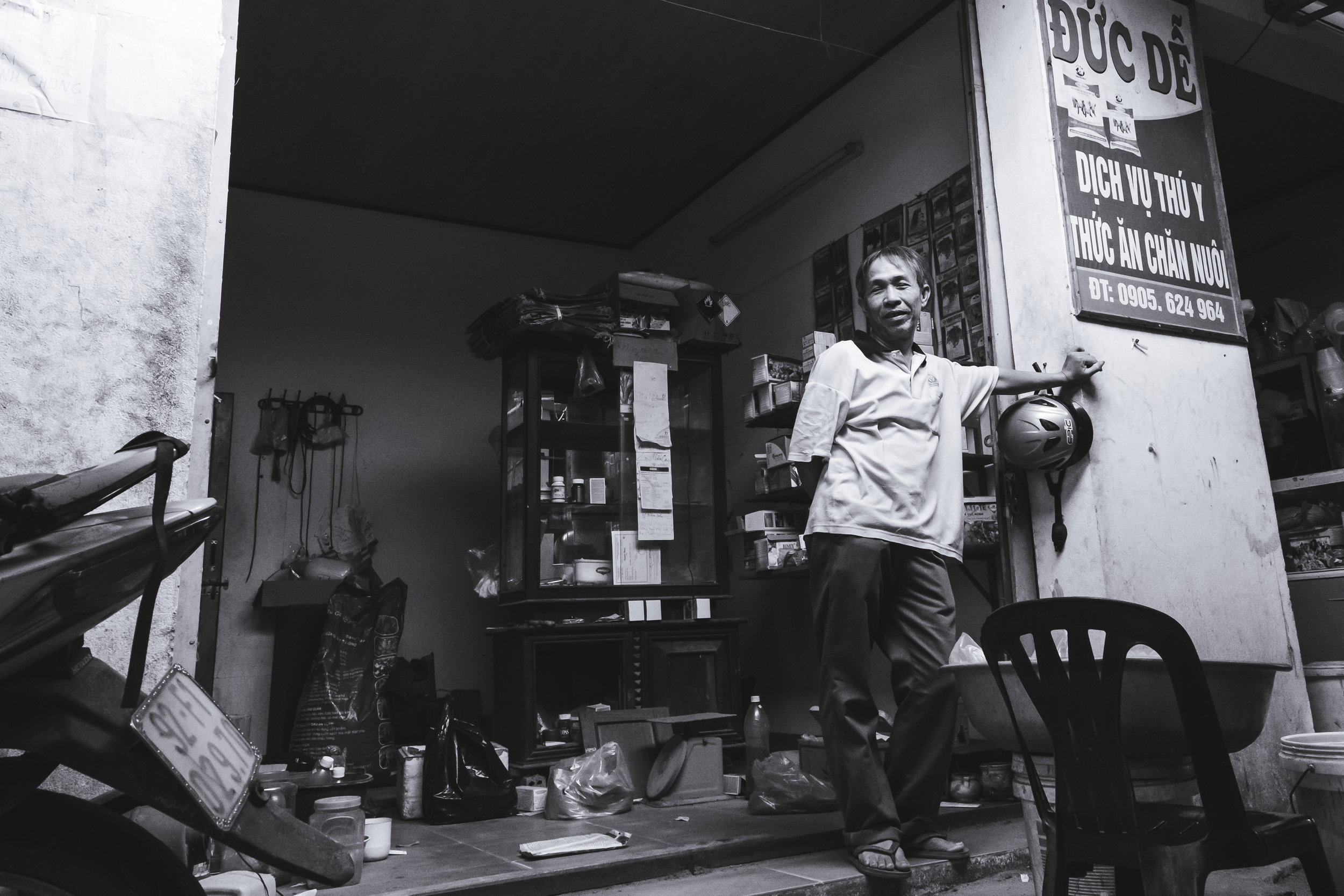Vietnam-market-man