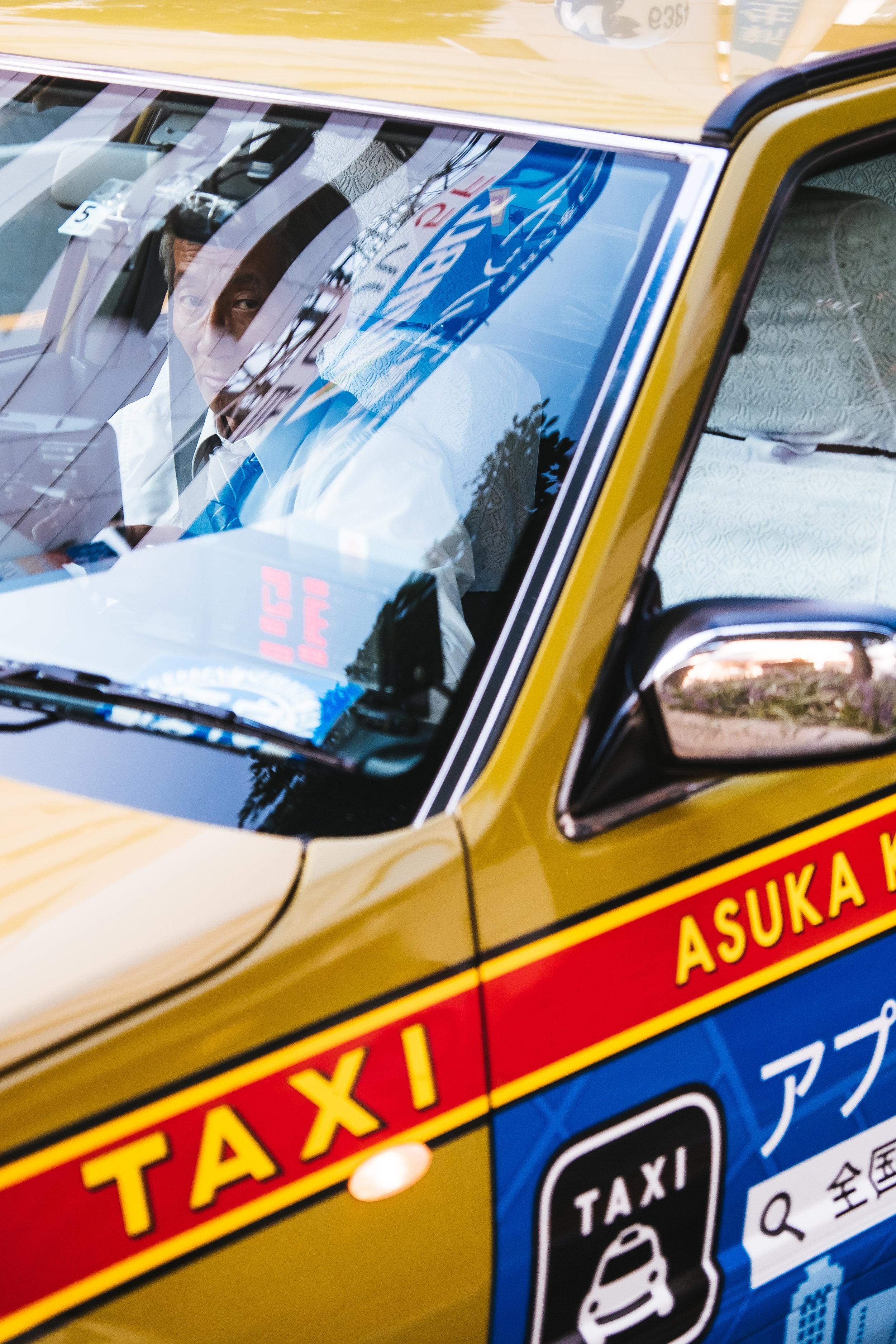 tokyo-cab-driver.jpg