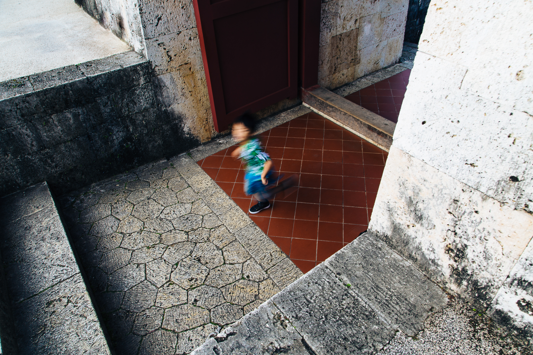 kid-running-castle.jpg