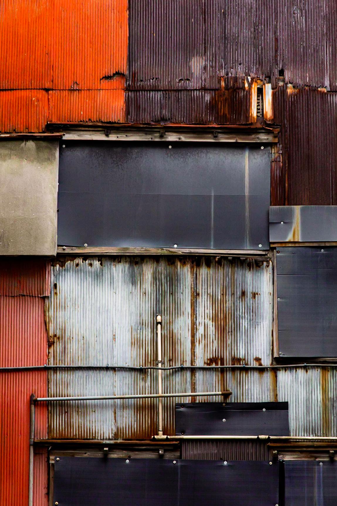 ginza-rusty-facade