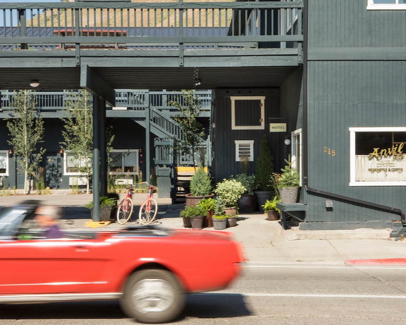 Hotel Marketing - This roadside motel turned boutique hotel just 99 miles outside of Manhattan is a hideaway for in-the-know New Yorkers and beyond. Current projects include email marketing strategy and execution, copywriting and content creation (Wordpress).