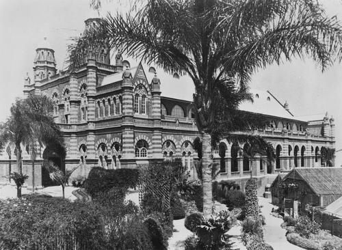 Exhibition-Hall-Gregory-Terrace-Bowen-Hills-1924.jpg