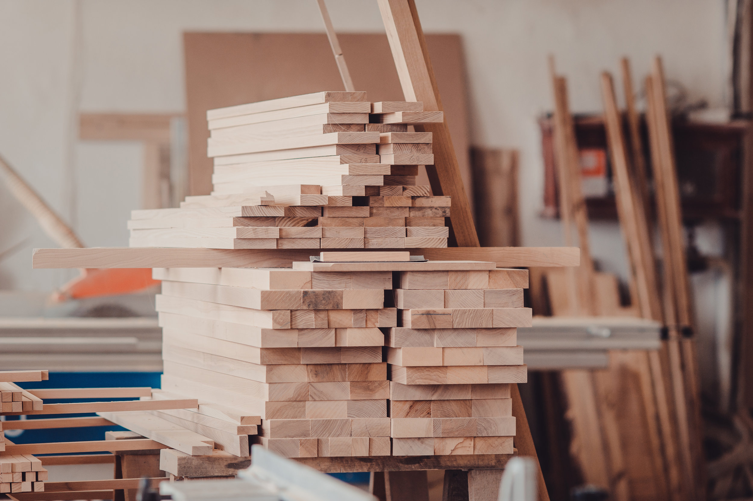 No More Stockouts - Never run out of raw materials and ready-made furniture to sell. Use your sales data and plan ahead by adjusting your safety stock.