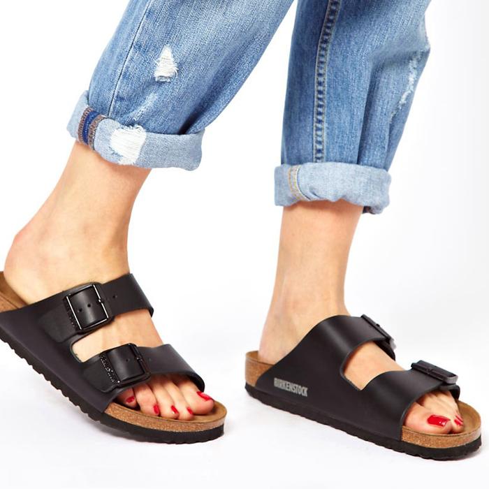 Calzado ortopédico a tu medida - Disponemos de una amplia colección de calzado anatómico adaptable para plantillas, con anchos especiales para pies delicados y diabéticos. También tenemos modelos exclusivos para niños y calzado profesional.