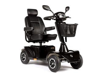 Sunrise Medical - MODELO S-700Equipado con ruedas grandes de 330 mm, el scooter eléctrico S700 es sinónimo de velocidad y potencia.Ofrece un rendimiento superior en exteriores.