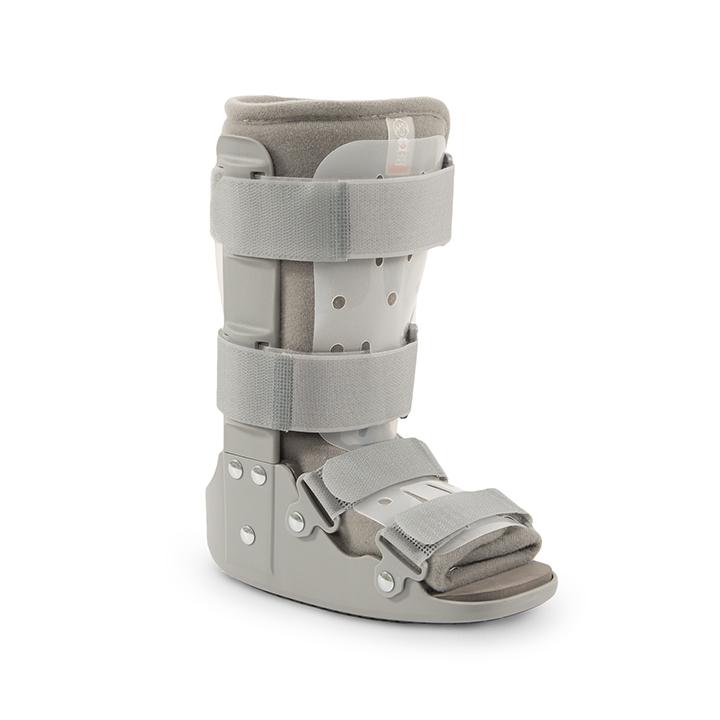 Walkers pediátricos - Walker con una estructura ligera y con una zona acolchada en la parte inferior que protege la planta del pie y los maléolos del tobillo. Aumenta la sensación de confort y se usa como sustitutivo del yeso.