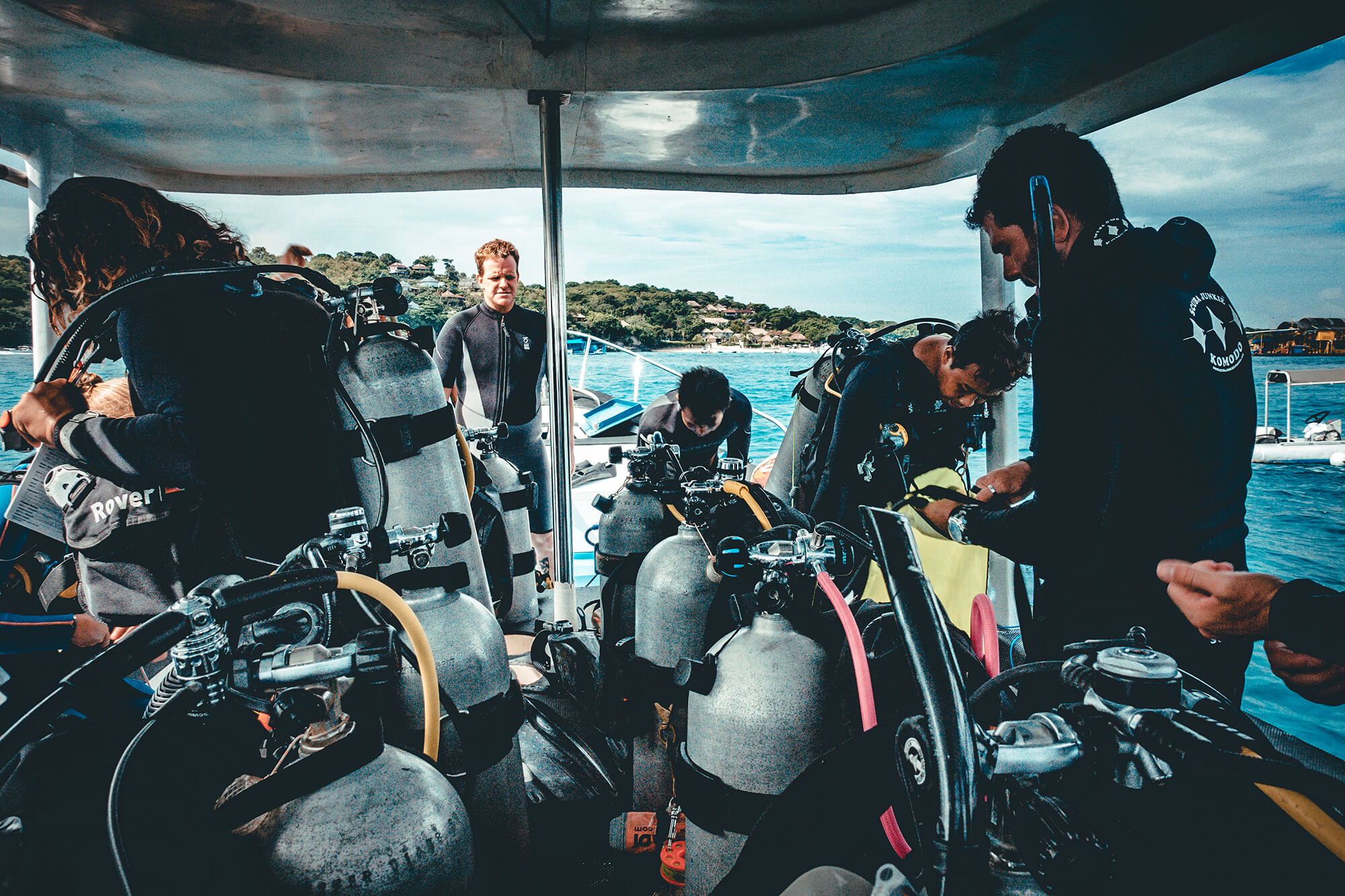 Are you looking to expand your scuba diving skills? - Take a PADI Specialty Diver Course